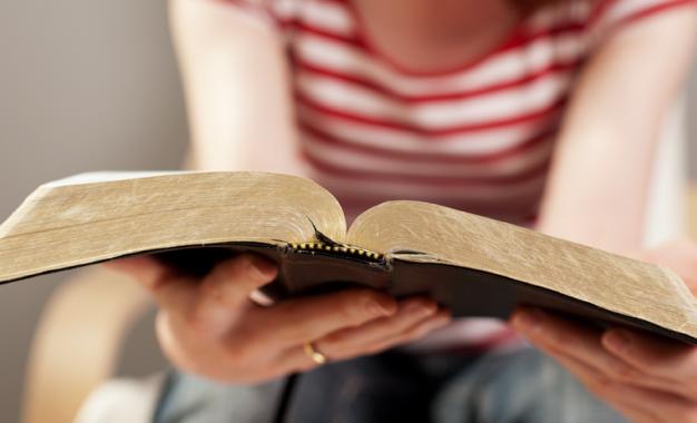 Diez razones para leer la Biblia