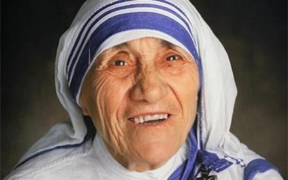 Fiesta en el cielo y la tierra: El Papa canonizó a Santa Teresa de Calcuta